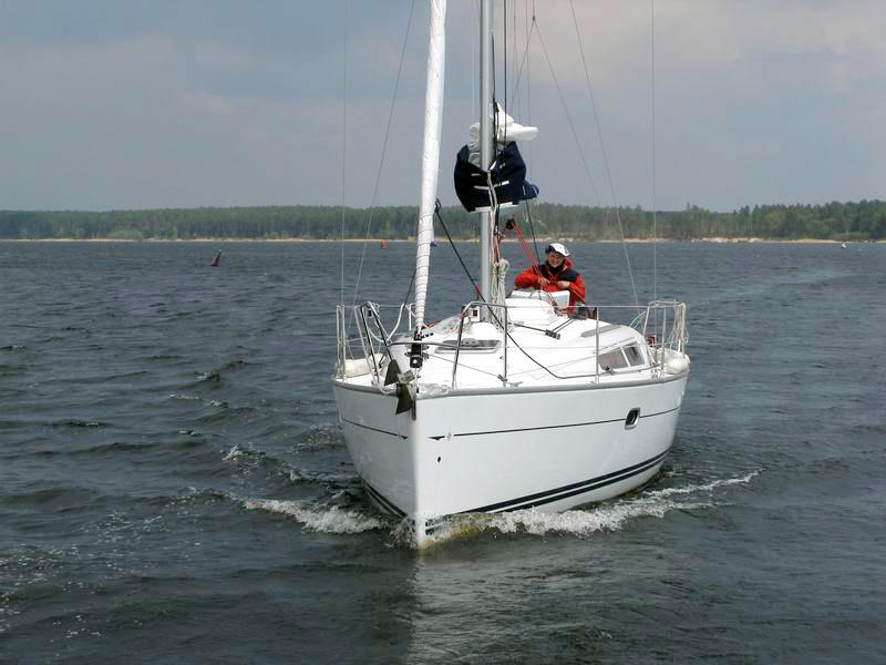 Яхта «Бавария-30