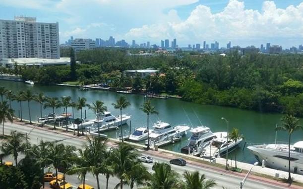 Как хорошо отдохнуть в Майами на яхте?